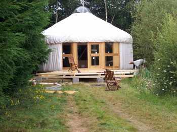 Aspects cologiques de la yourte habitat for Maison yourte moderne